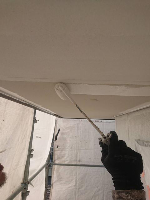 軒天井塗装1回目