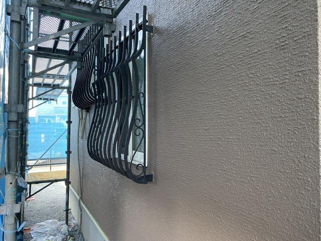 成塚邸 外壁上塗り