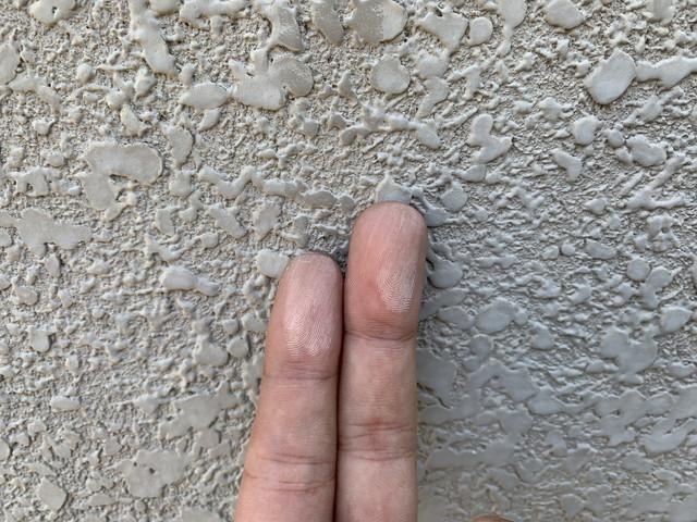 外壁塗装 現地調査 チョーキング