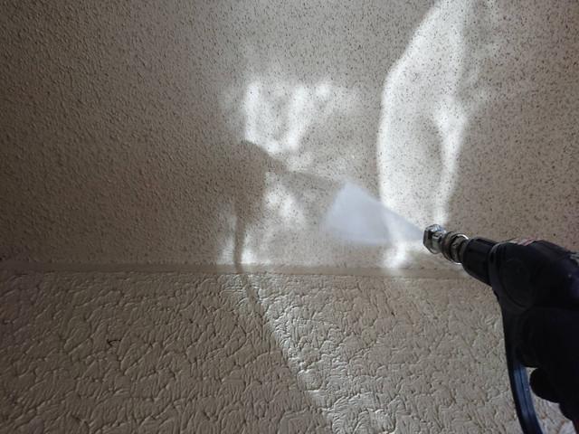 外壁 塗装 高圧洗浄中 軒天井