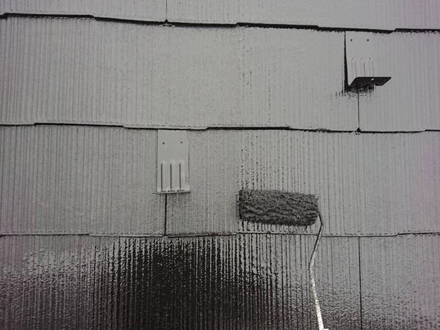 屋根塗装 上塗り中