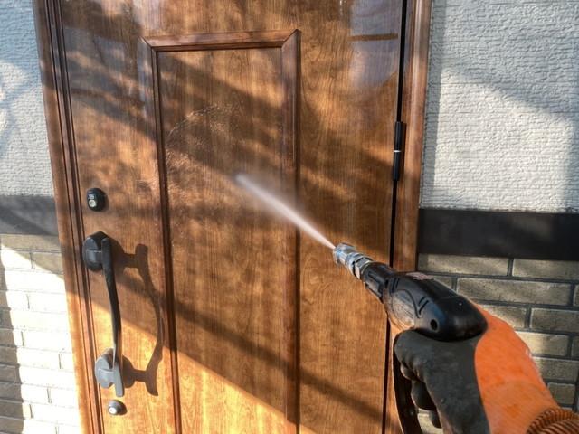 玄関ドア 洗浄