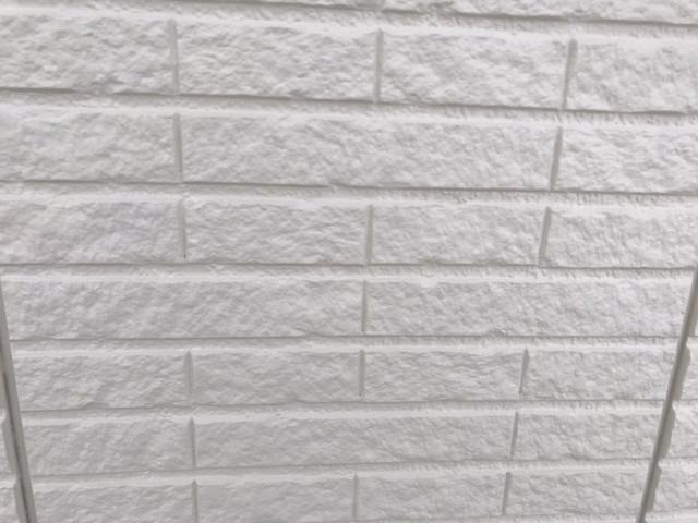 外壁塗装 無機塗料 中塗り後
