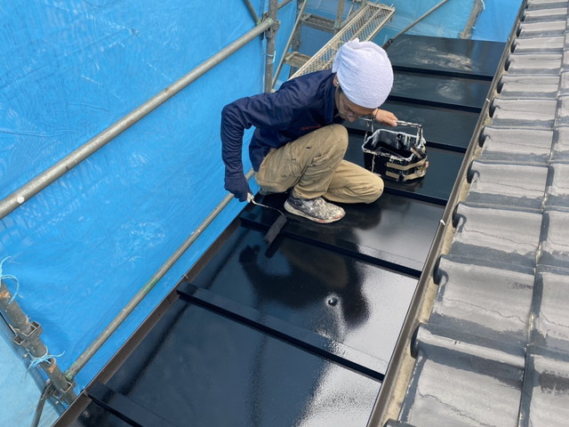 瓦棒葺き屋根塗装