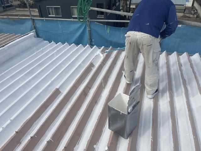 折半屋根 下塗り