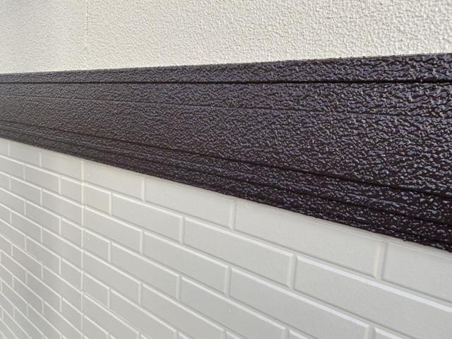群馬県伊勢崎市でファインシリコンフレッシュを使った付帯部塗装を行いました。